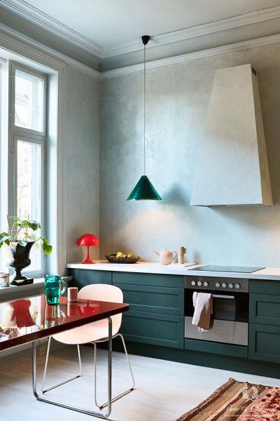 Inspiration Collection 2017 kitchen with Marrakech Walls and Classico in Polar Blue, lacquer in Black Hills