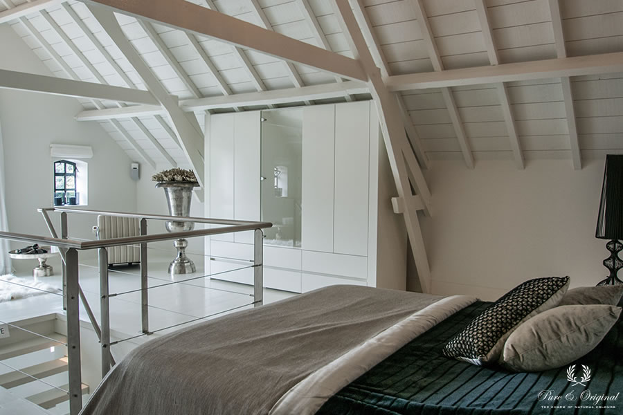 Classico chalk paint, Floor Paint and Traditional Paint in the colour Island White