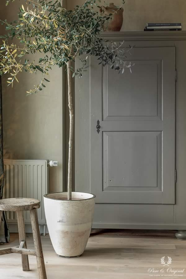 Traditional Paint in the colour Elephant Skin and Fresco Sand Storm, on the closet, wall and heating