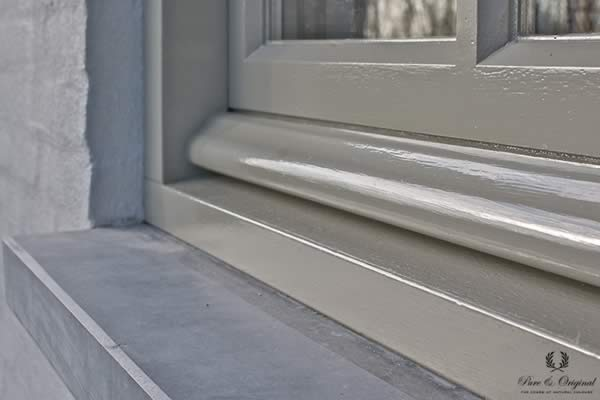 Traditional Paint in the colour Silver Like, applied on the window frame