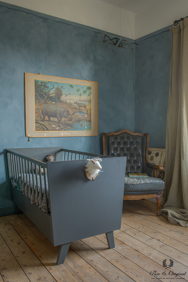 Traditional Paint in the colour Thunder Sky and Fresco Country Blue, applied in the kids room