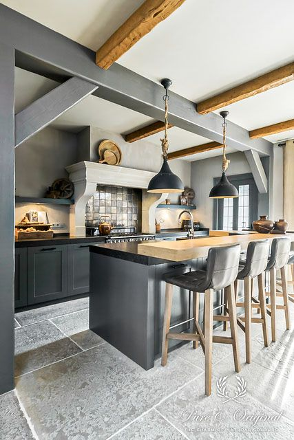 Article HOMIFY rustic home with Pure & Original paint